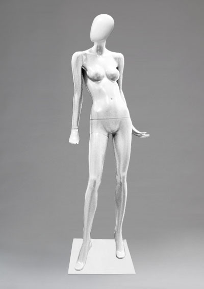 Female mannequins of the Alien series 46