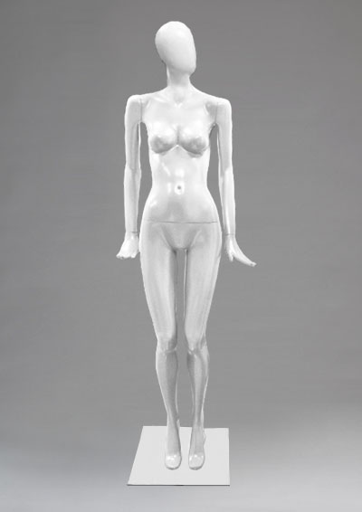 Female mannequins of the Alien series 47