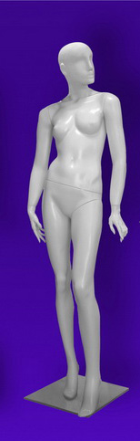 Female mannequins of the Independence series 12