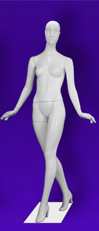 Female mannequins of the Independence series 13